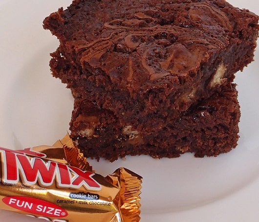 Twix Caramel Brownies | Recipes & Me