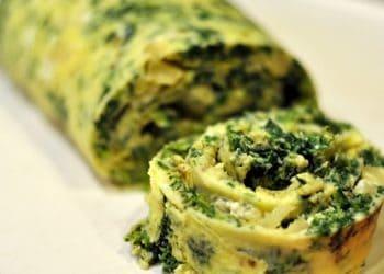 Spinach, Artichoke & Gorgonzola Omelet Pinwheels