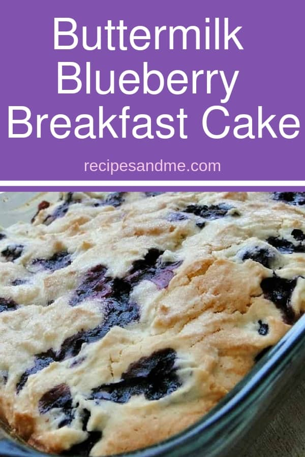 This buttermilk blueberry breakfast cake is simple to make, and perfect for busy mornings when you still want ta good breakfast. Of course, you can eat it for brunch, as a dessert, or when you just feel you need a bit of sweet pick me up. You can change the recipe to use any of your favorite berries for a different taste every week ;) #dessert #blueberrycake #breakfast #baking #recipe #brunch #sweeetcake #buttermilk