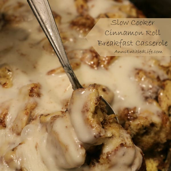 Slow cooker cininamon roll breakfast casserole