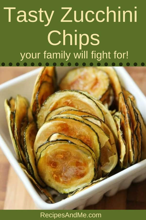 Ready for a new zucchini recipe? These oven baked, vegan and healthy zucchini chips are delicious! Once you make these once, you'll never have too many zucchinis again. Perfect snack for vegetarians, those on low carb diets, ids and adults alike, this recipe is always a hit. #Zucchini #ZucchiniRecipe #ZucchiniChips #ZucchiniChipsRecipe #HealthyFood #HealthyFoodRecipes #Recipes