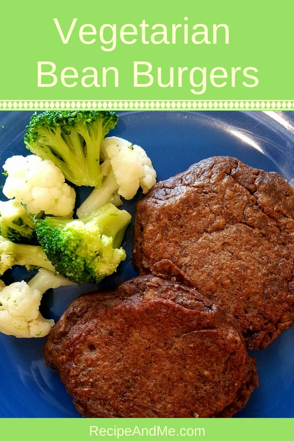 Looking for a simple, healthy and delicious bean burger recipe? these vegetarian bean burgers are really easy to make. You can use any bean you wish: black, pinto, white, red, kidney, and even garbanzo beans. Want it spicy? Add some chili flakes or a sprinkle cayenne pepper. YUM! #beanburger #vegetarian #beans #protein #picnicfood #healthyrecipes #recipes