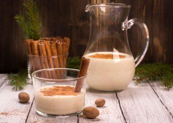 warm vanilla milk with cinnamon and honey
